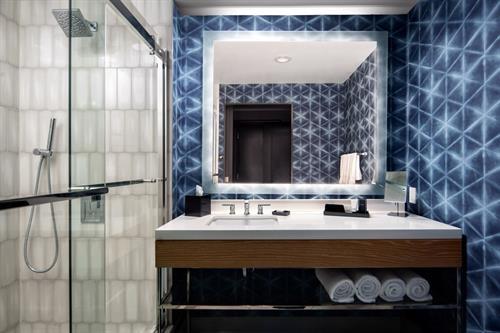 Gallery Image mcotu-guest-bathroom-3117-hor-clsc.jpg