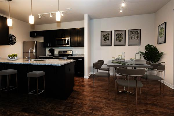 Gallery Image Kitchen_and_Dining.jpg