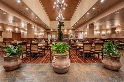 Gallery Image omni-san-antonio-colonnade-restaurant-2.jpg