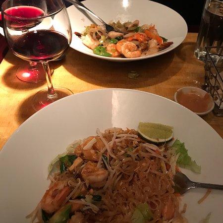 Gallery Image topaz-thai-restaurant.jpg