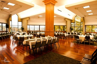 Meetings and events at the Tumwater Room serving Portland and Oregon City with affordable and professional meeting and business services.