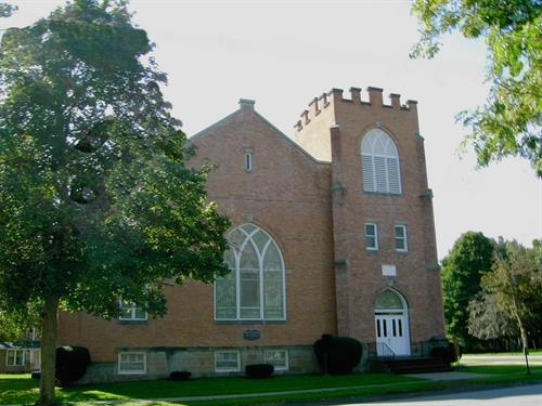 Trinity Church of Nunda in the summer