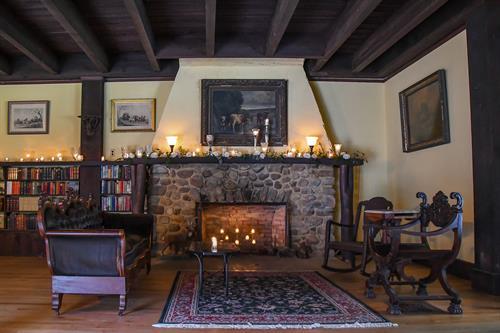 Gallery Image Swanson_Ballroom_Fireplace.jpg