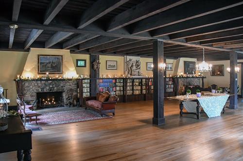 Gallery Image Swanson_Ballroom_WideShot.jpg