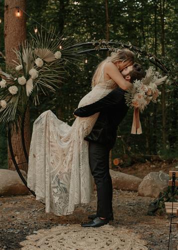 Gallery Image adirondacks-ny-elopement-36.jpg