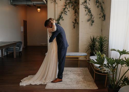 Gallery Image arbor-loft-wedding-31.jpg