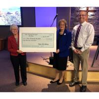 Noyes Auxiliary Makes $60,000 Donation for New Mobile X-Ray