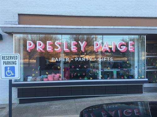 Window vinyl, Presley Paige