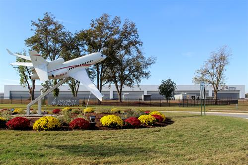 Dassault Falcon Jet 14 Bay Hangar