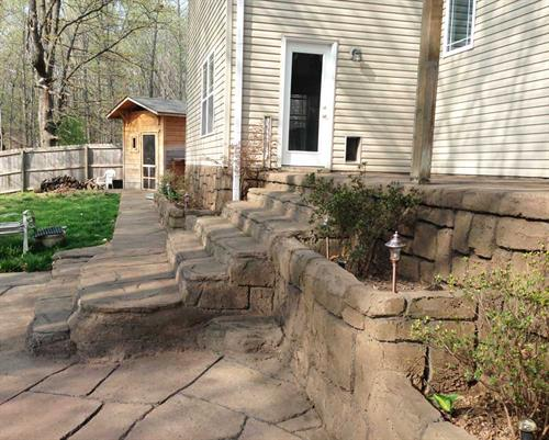Gallery Image patio-stamped-decorative-concrete-stairs-sidewalk-retaining-wall-aquacrete1.jpg