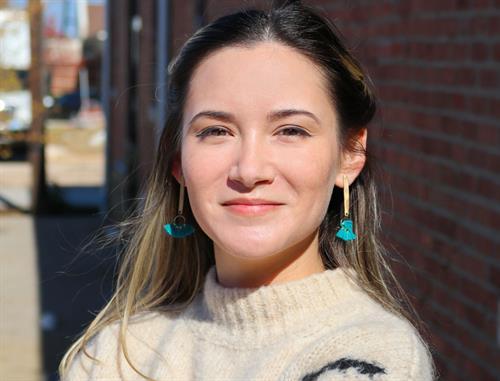 Antonella Kinder - Marketing Manager/Copywrite