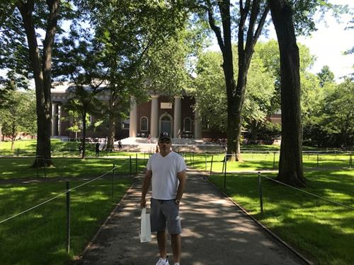 Barry Liebowitz of International College Counselors tours Harvard University