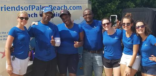Community Clean Up with the Breakers