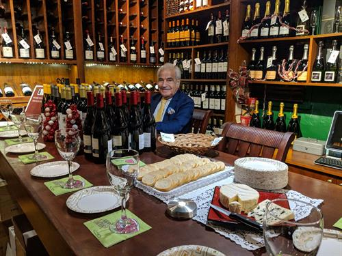 Gallery Image maurice_wine_tasting_photo_march_2018.jpg