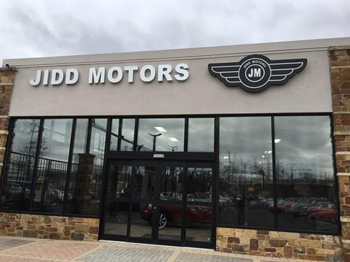 Illuminated channel letters for car dealership