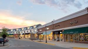 Within walking distance to Deer Park Towne Square
