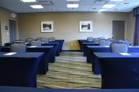 450 Square Foot Meeting Room