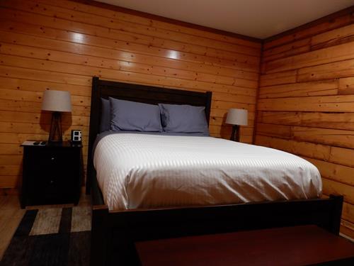 Guest Room #1 - Queen Bed