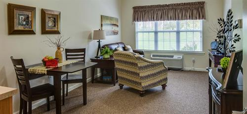 Gallery Image Assisted-living-homes-in-Lawrence.jpg