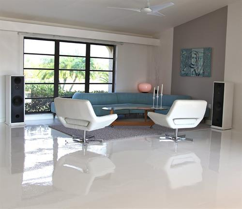 Our custome concrete coatings provide the most amazing finished look to your home, matching functionality with beauty.