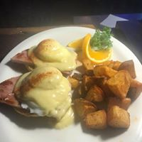Sunday Brunch Eggs Benedict