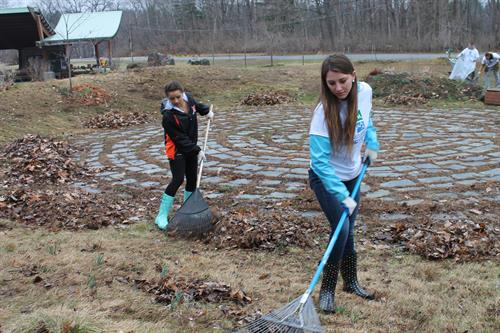 HCP depends on volunteers to keep our park beautiful.