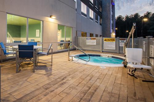 Outdoor Hot Tub with Heated Deck