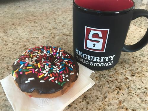 Gallery Image National_Donut_Day_2017.jpg