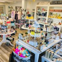 Shop & Schmooze at Proud Mary