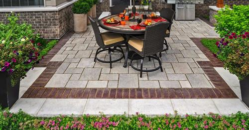 Thornbury Paver Patio with Townhall Accent.