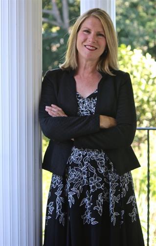 Lisa Van Dore, Realtor