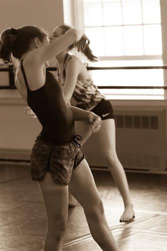 Gallery Image dance_2.jpg
