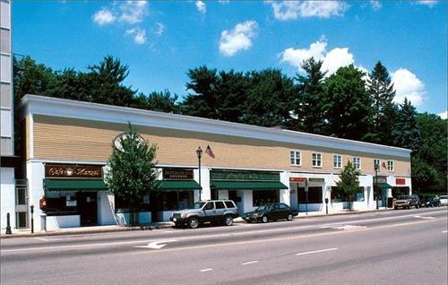 555 Washington St, Wellesley