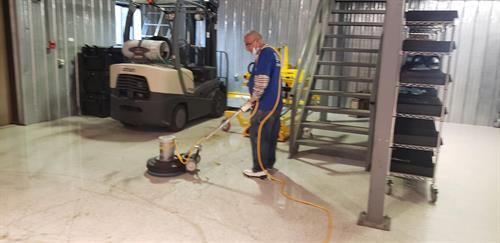 stripping vinyl floors, commercial cleaning worcester