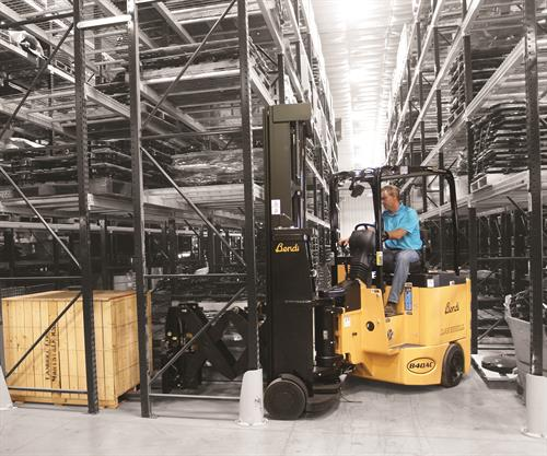 Narrow Aisle Reach Trucks for efficient warehouses