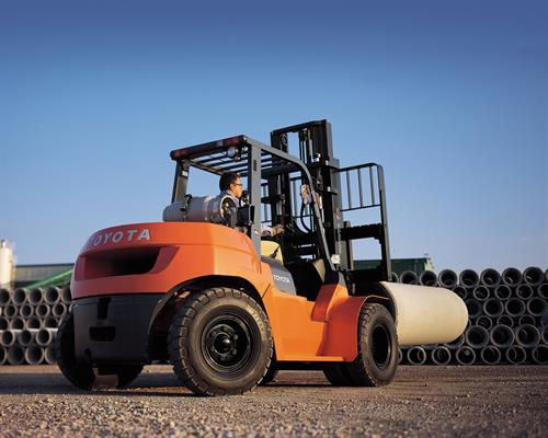 Large capacity forklifts for the steel industry