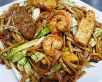 N4 - House Special Lo Mein