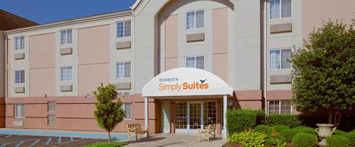 Sonesta Simply Suites is built for long term stays and conveniently located in Research Park just 2 miles from Redstone Arsenal.