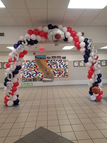 Gallery Image Seniors_2021_Balloon_Arch_Huntsville_AL_.jpg