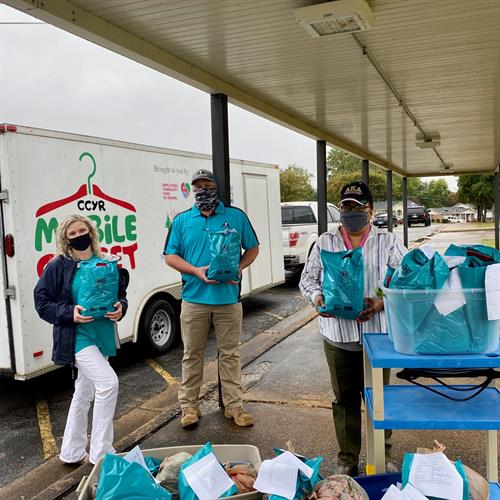 Mobile Closet - Delivering Clothing, Hygiene Items, and School Supplies to local schools