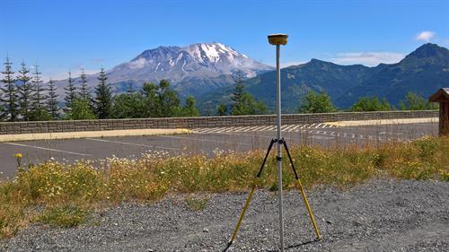 Gallery Image Mt._Saint_Helens_crater_2.jpg