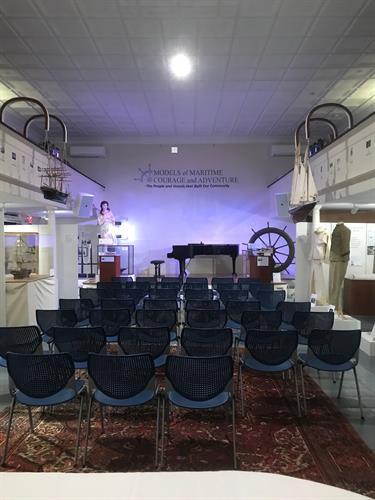 Gallery Image meeting_house.jpg