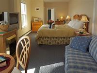 Orleans Inn Honeymoon Suite