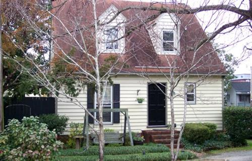 Innkeepers Cottage (LT Rental)