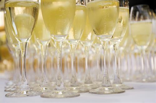 Gallery Image Wine_Glasses.jpg