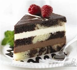 Gallery Image tuxedo_truffle_mousse_cake.jpg