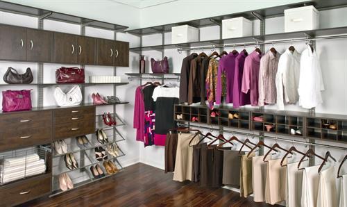 Gallery Image freedomrail-chocolate-pear-walk-in-woman's-side-wire-shoe-shelves.jpg