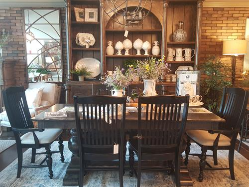 Showroom images - Custom dining set