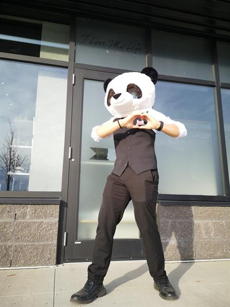 A loving panda