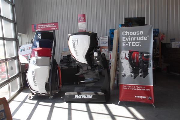 Evinrude Outboard Motors